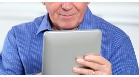 7d156b05_smush_aidant-familal-tablette-accueil-grandev2