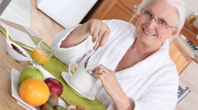 Personnes âgées : comment organiser ses repas ?