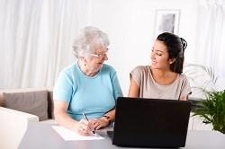 Aide à domicile : comment faire évoluer le contrat de travail ?